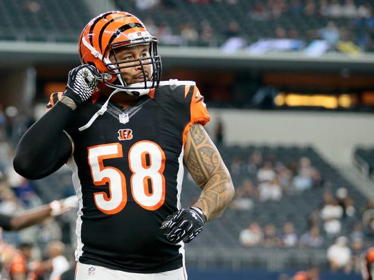 Cincinnati Bengals middle linebacker Rey Maualuga (58) takes the field during warm ups before the NFL Week 5 game between the Dallas Cowboys and the Cincinnati Bengals at AT&T Stadium in Dallas on  Sunday, Oct. 9, 2016.