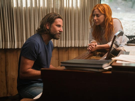 Jackson (Bradley Cooper) and Ally (Lady Gaga) work