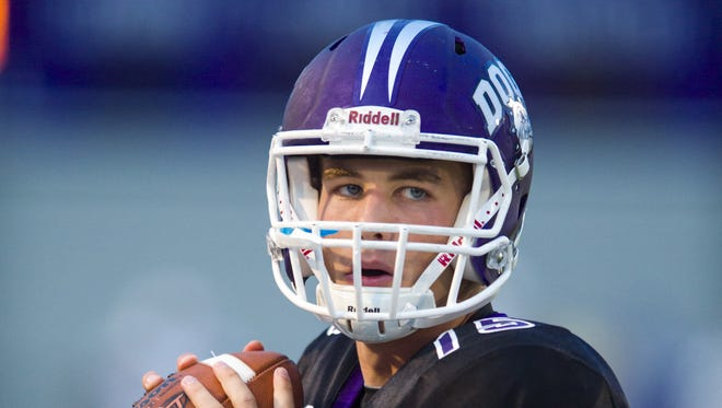 Brownsburg QB Hunter Johnson has the Bulldogs 3-0 early on.