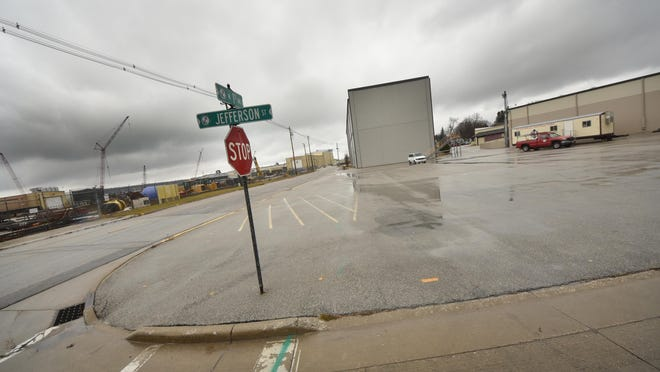 Bay Shipbuilding Co. is seeking to close North First Avenue at a point just south and east of this intersection at Jefferson Street.