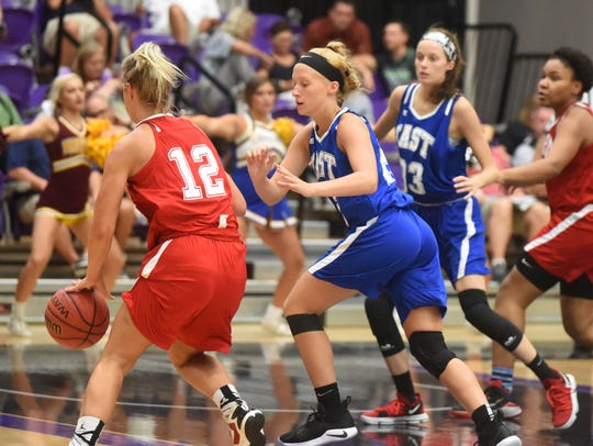Mountain Home's Hannah Pfeifer and Norfork's Marleigh