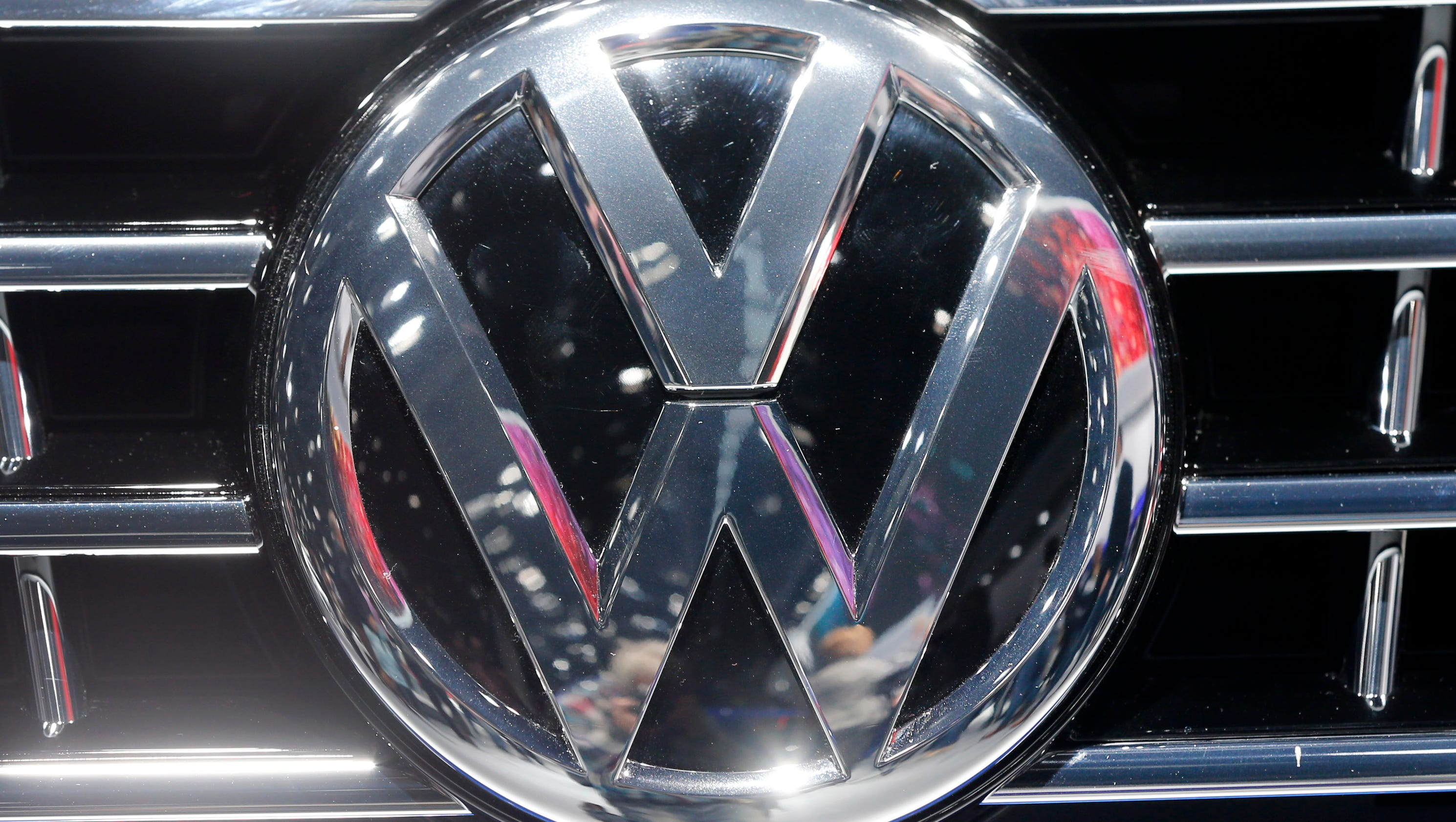 Volkswagen engineer pleads guilty, to cooperate in emissions scandal