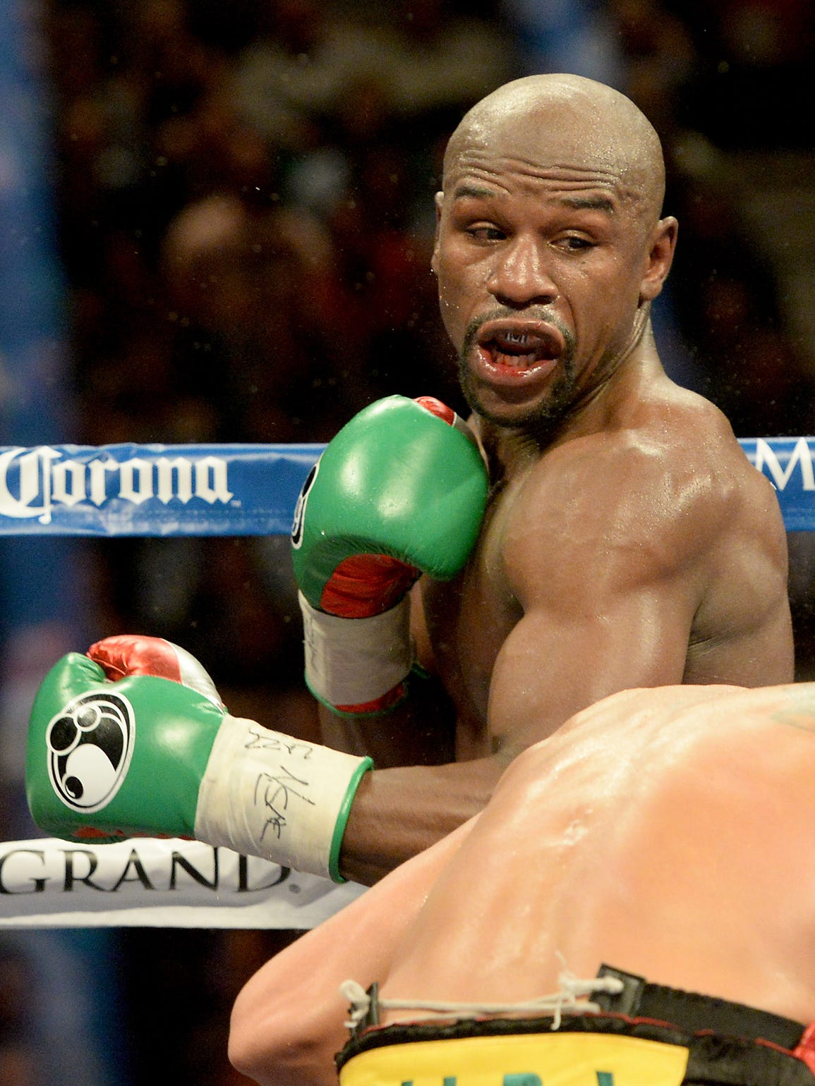 floyd mayweather In his first ever match, mcgregor survived nine rounds against mayweather but visibly tired as the boxing expert's nous started to tell.
