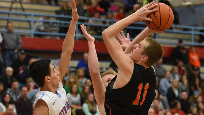 Sprague's Teagan Quitoriano (right) is among the players who will play in the Capitol City Classic.