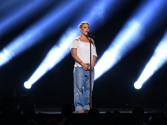 PInk's only acrobatics were vocal this time out.