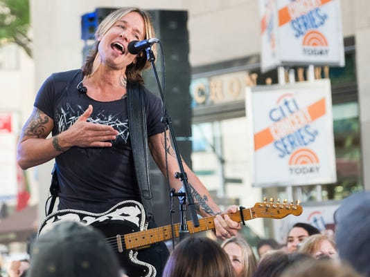 AP KEITH URBAN PERFORMS ON NBC'S TODAY SHOW A ENT USA NY