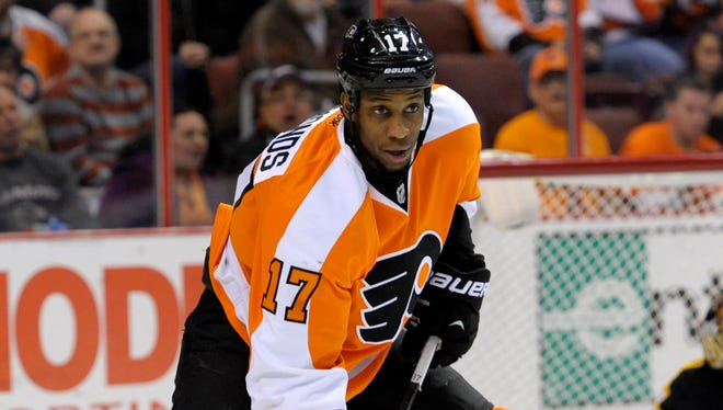 Philadelphia Flyers forward Wayne Simmonds has 17 goals and 38 points this season.