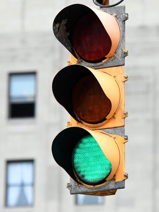 Traffic-Light-02.jpg
