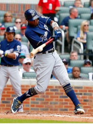 Keon Broxton enjoys a big afternoon against the Mets as he goes 3 for 4 with a homer and 3 RBI in the Brewers victory in New York on Sunday.