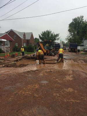 Middlesex Water Company has issued a boil water advisory, which has since been lifted, to residents in all of Carteret and in the Port Reading section of Woodbridge that is east of the NJ Turnpike as a result of a large broken water main which occurred Friday morning on Longfellow Street in Carteret.