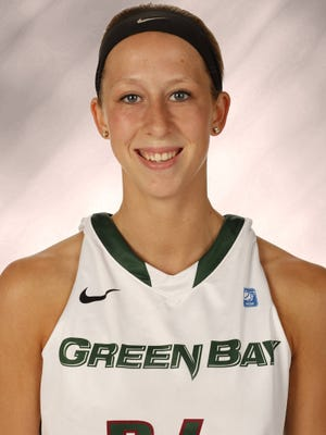 UW-Green Bay freshman guard Allie LeClaire.