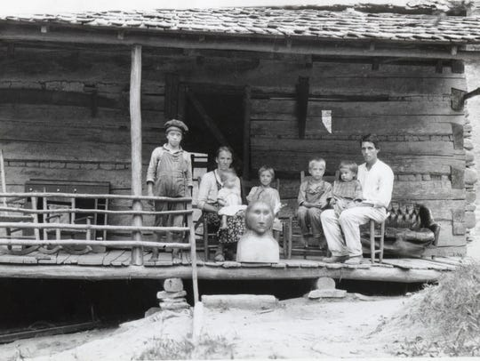"""Wiley Oakley and family in Gatlinburg, Tenn. From """"People"""