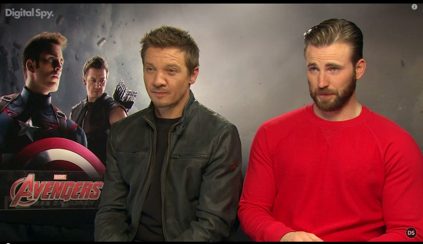 Chris Evans and Jeremy Renner apologized for the stupid joke about heroine Johansson 04/25/2015 2