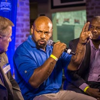 Former tailback great Kevin Faulk expected to join LSU football program's support staff