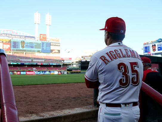 Cincinnati Reds interim manager Jim Riggleman (35)