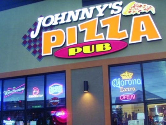 Johnny's.Pizza&Pub.jpg