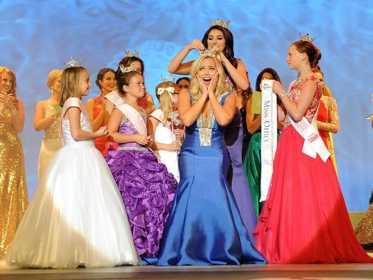 MNJ 0621 Miss Ohio crowned 01