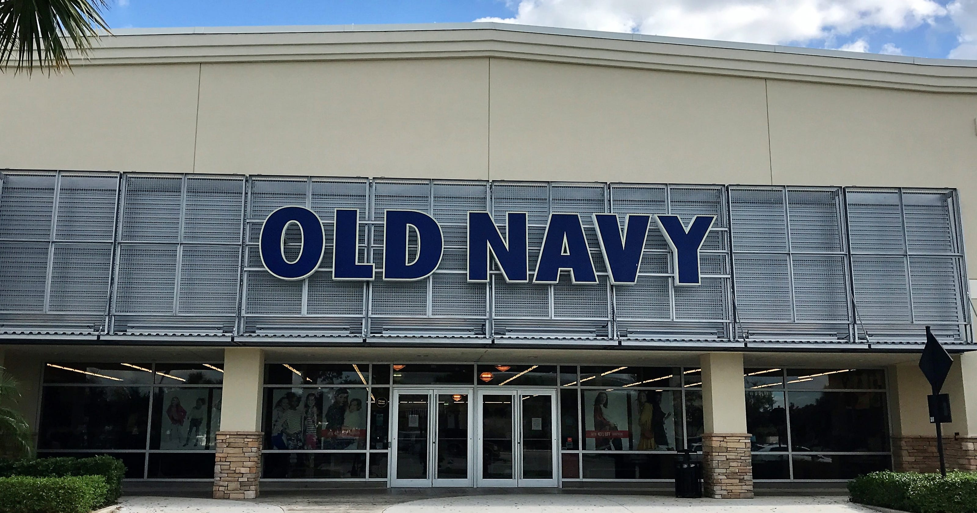 Old Navy, Skechers to open this fall at the Shoppes at Fox River