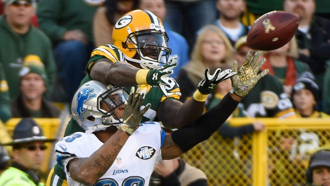 Packers wide receiver James Jones cannot catch a pass while defended by Lions cornerback Darius Slay in the fourth quarter Sunday.