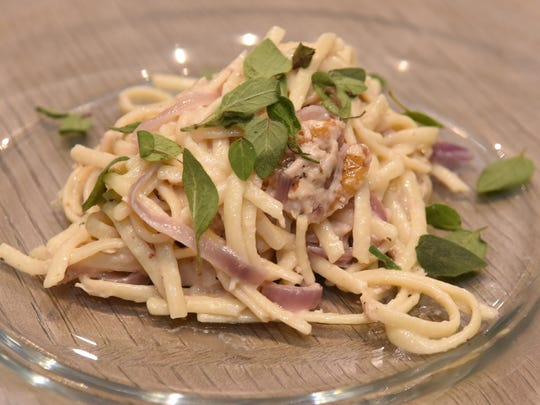 Hardette Harris third course was Linguine tossed with Chicken, Walnuts, Gorgonzola and Wine Poached Pears.