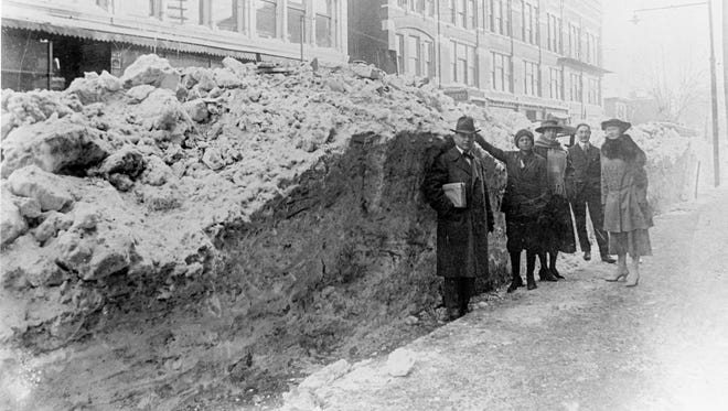 Blizzard of 1918, 200 block of Main St.