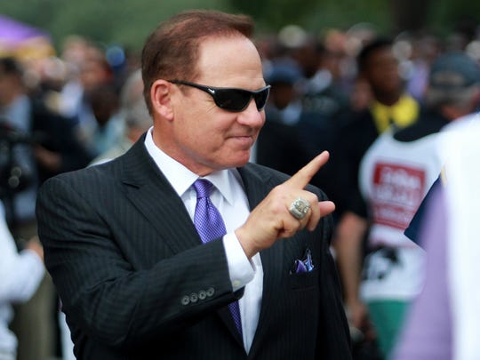 LSU Tigers head coach Les Miles and the LSU Tigers
