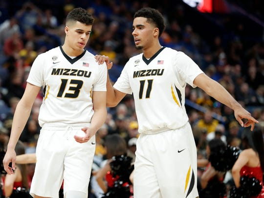 Missouri's Michael Porter Jr. (13) talks with his brother
