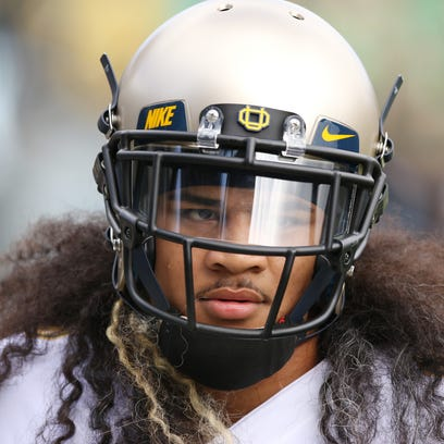 Report: Former Oregon Ducks linebacker killed in car crash