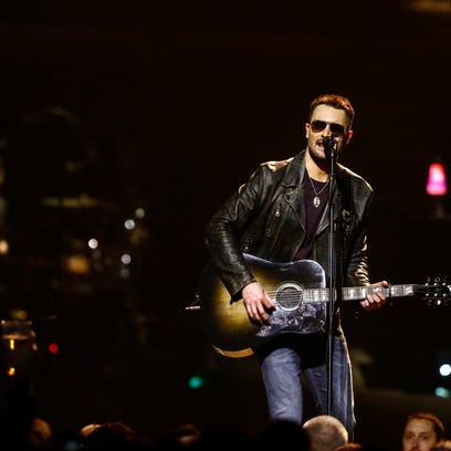 Eric Church holds his own in front of 15,000 at Des Moines show