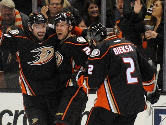 USP NHL: SAN JOSE SHARKS AT ANAHEIM DUCKS S HKN USA CA