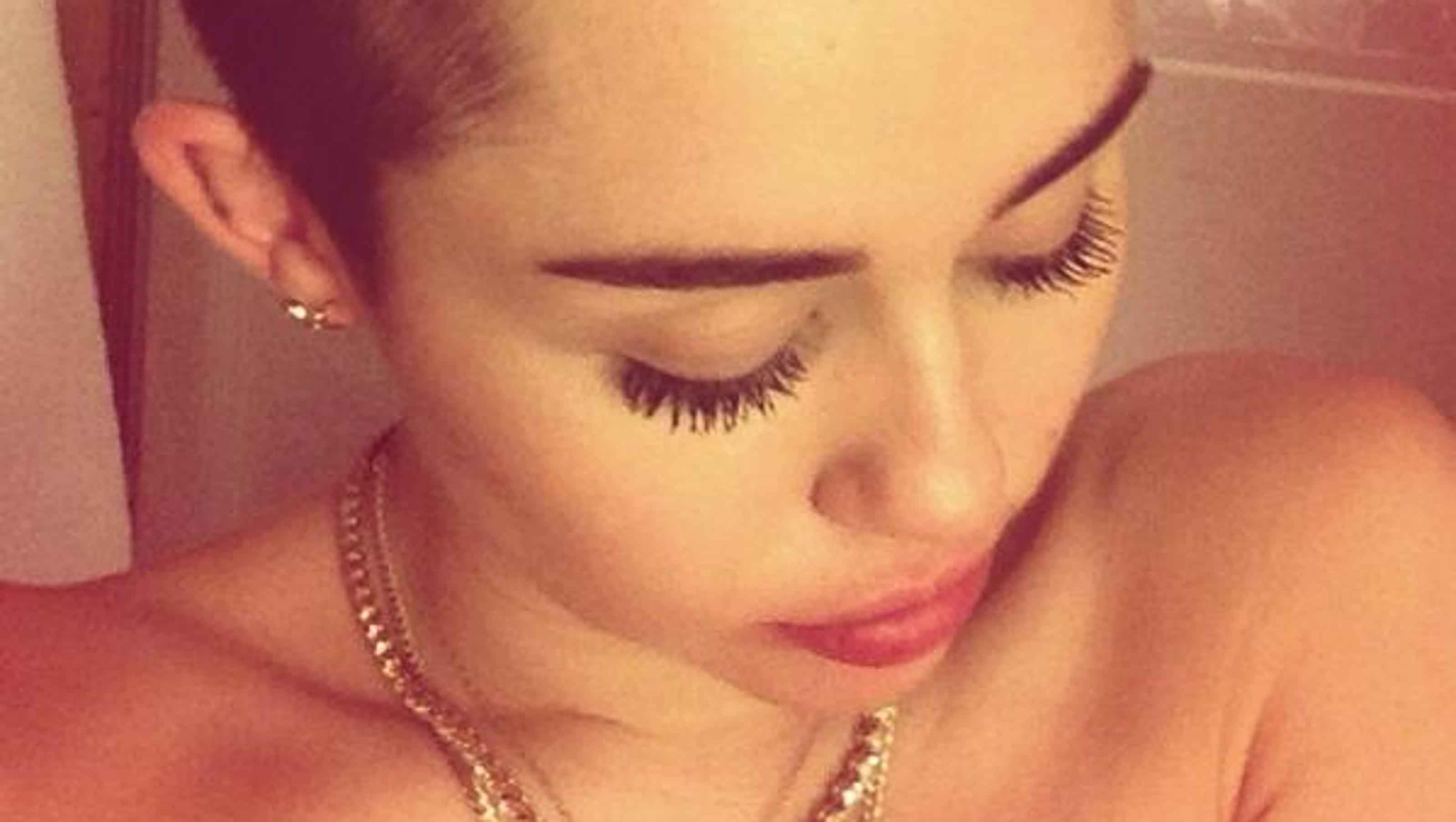 1384183165000 Miley Shower Jpg