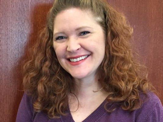 Stephanie Fox headshot