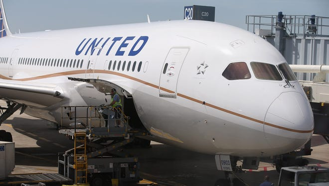 A United Airlines Boeing 787 Dreamliner at Chicago O'Hare International Airport on May 20, 2013.