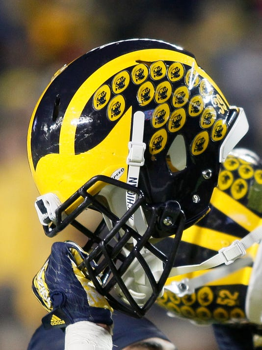 Michigan football gets commitment from 3-star Connecticut TE