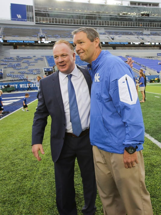 Mark Stoops, Mitch Barnhart
