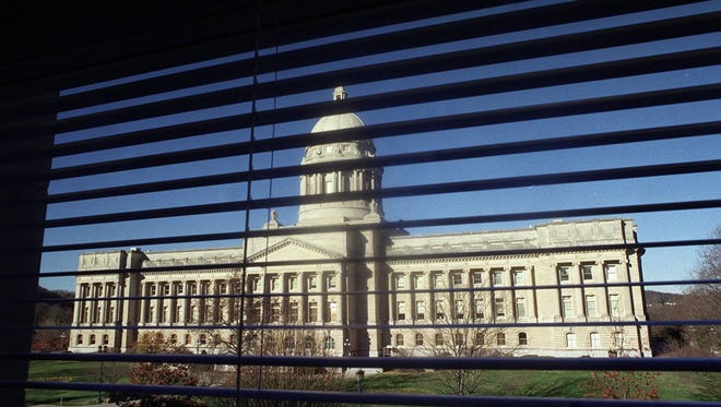 -  -Text 16Dec99--Special to the Courier-Journal by David R. Lutman--A view of the Kentucky Capitol Building as seen from the office window of Senate President-elect David Williams.