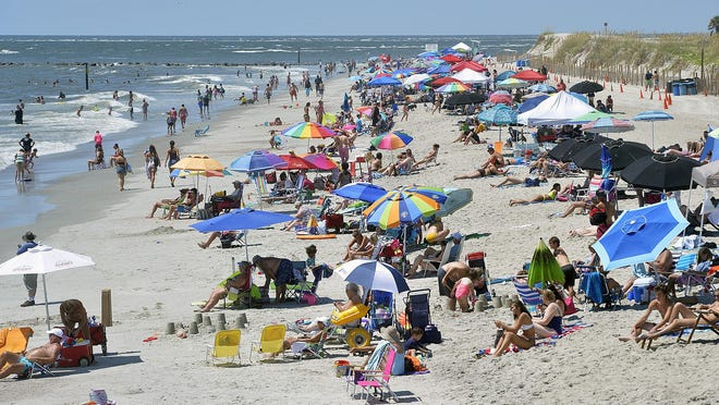 A proposed ordinance would prohibit alcohol on the Tybee Island beaches.