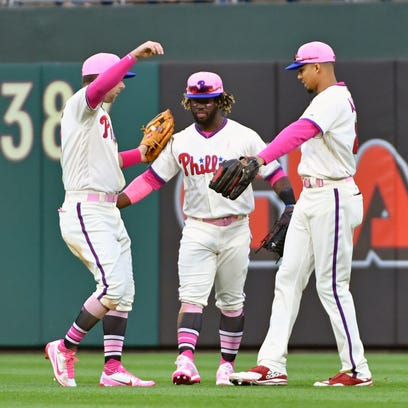 Phillies showing signs with offense, pitching that they're for real