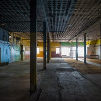 After no bids at auction, old Montgomery Ward building still vacant