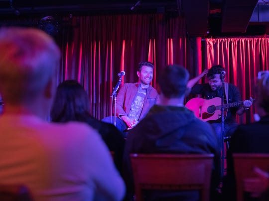 Brett Eldredge treats his tour group to a mini performance at his favorite jazz club, Rudy's Jazz Room