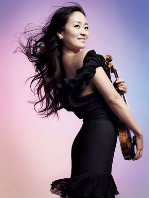 Chee-Yun makes her debut with the Cincinnati Chamber Orchestra this summer.