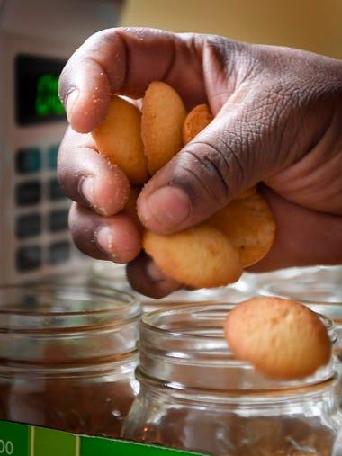 LaFreda Batey makes cupcakes for her business, DB Kupkake