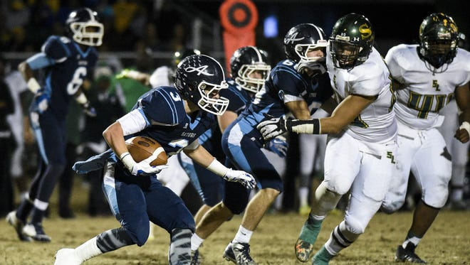 Ascension Episcopal running back Josh Hebert (3) delivered a big performance to push the Blue Gators past East Beauregard on Friday. Ascension Episcopal running back Josh Hebert (3) delivered a big performance to push the Blue Gators past East Beauregard on Friday.