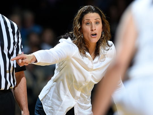 Vanderbilt head coach Stephanie White gives instructions