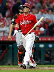 Cincinnati Reds second baseman Scooter Gennett reacts