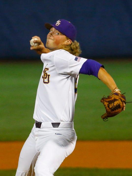 SEC_Florida_LSU_Baseball_46835.jpg