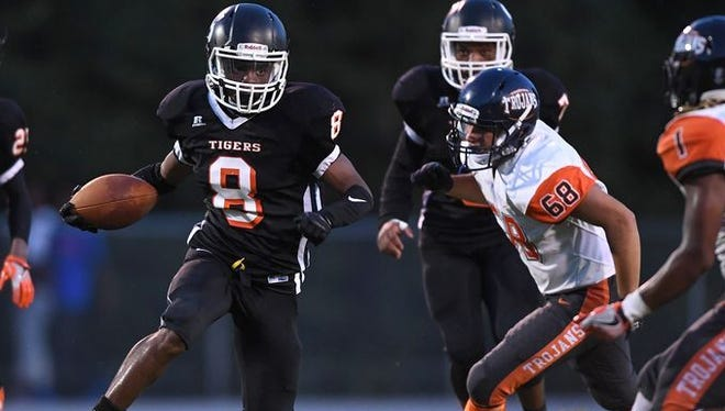 Senior wide receiver Tuzion Brock (8) and the Southside Tigers are 3-2 heading into Friday's Region 2-AAA opener at home against Berea.