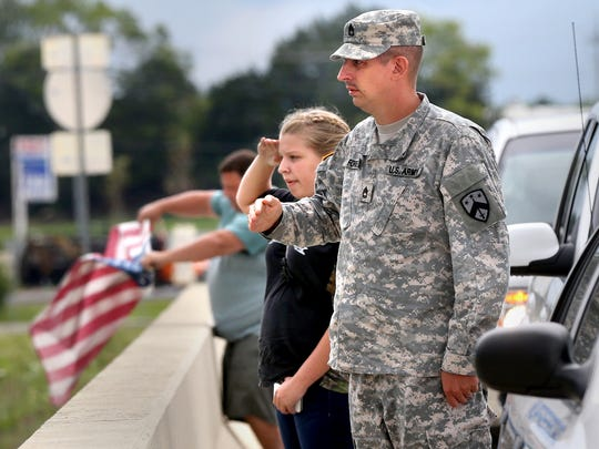 Officers escort Chattanooga shooting victims to final ...
