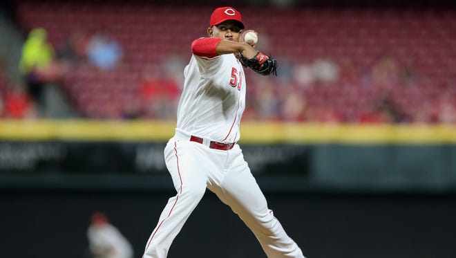 Cincinnati Reds relief pitcher Wandy Peralta (53) delivers in the seventh inning during a National League baseball game between the New York Mets and the Cincinnati Reds, Tuesday, May 8, 2018, at Great American Ball Park in Cincinnati. Cincinnati won 7-2.