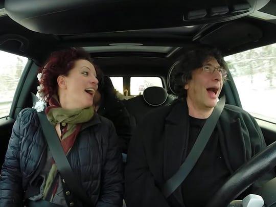 Neil Gaiman drives with Amanda Palmer and Lance Horne